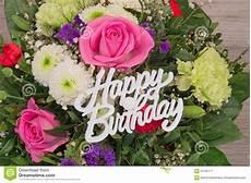 fiore compleanno mazzo fiore con il buon compleanno testo immagine