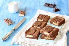 dolcetti con wafer sbriciolati brownies al cioccolato con wafer fidelity cucina