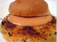 potato carrot burger with spiced mayo_image