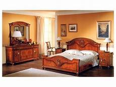 specchi per da letto classica specchiera per da letto con cornice in legno