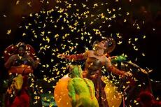 Cirque Du Soleil 2019 - what to do in montreal this exp 233 rience transat