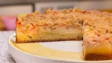 Rhabarberkuchen Mit Pudding Und Streusel - rhabarberkuchen mit vanillecreme und streuseln backen