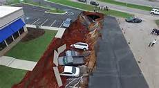 drone captures ihop parking lot s 600ft sinkhole which