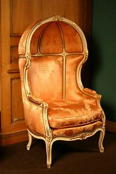 divanetti antichi 9 a lavishly upholstered chair with dome in louis xv style