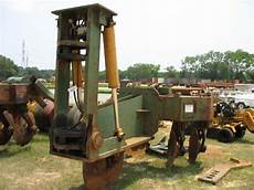 savannah 140 bedding plow savannah 454 subsoiler plow j m wood auction company inc