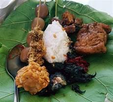 Berburu Nasi Jamblang Khas Cirebon Ini Tempatnya