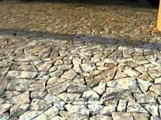 pavimenti in pietra di trani pietreesassi pavimento esterno in lastre di pietra di