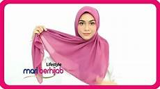 10 Model Gaya Cara Pakai Jilbab Segi Empat Simple Paling
