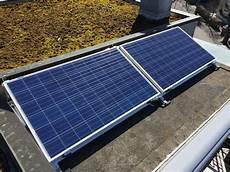 solarmodule auf der dachterrasse kleinsolarkraftwerk mit
