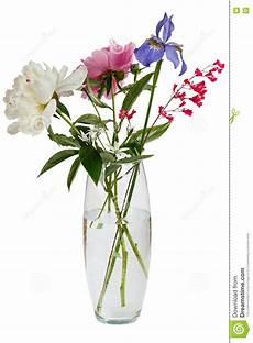bouquet de floraison des fleurs dans un vase transparent