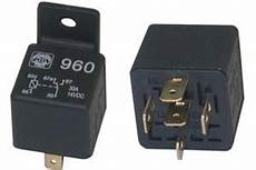 relais electrique 12v 30515 relais 233 lectrique automobile 12vcc 1 contact no nf 30a sous 12vcc
