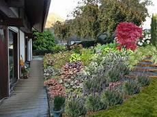 fleurir un talus plan de talus fleuri jardin en pente