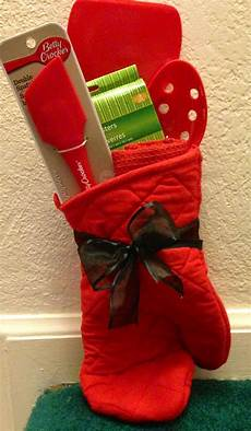 Kitchen Gift Set Ideas by Easy Gift Idea Oven Mitten Wooden Spoon Spatula