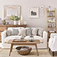 Coastal Living Room Design Ideas