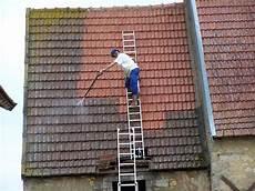 démousser une toiture le demoussage de la toiture des proc 233 d 233 s aux prix demoussage
