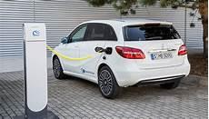 mercedes b 250 e reichweite elektroauto mercedes b 250 e ab sofort als taxi erh 228 ltlich