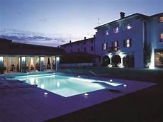 eclairage terrasse piscine d 233 co piscine pour un ext 233 rieur confortable et 233 l 233 gant