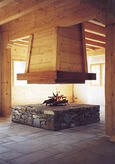 foyer pour cheminee bois foyer de chemin 233 e 4 faces suspendu en 2019 chemin 233 e
