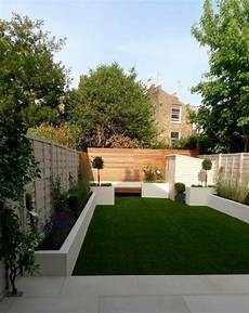 Gartengestaltung Modern Beispiele - moderner garten mit sichtschutzpaneele aus holz und