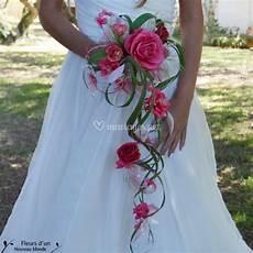bouquet mariée cascade fleurs d un nouveau monde