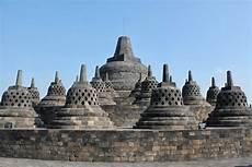 6 Peninggalan Sejarah Unik Di Indonesia