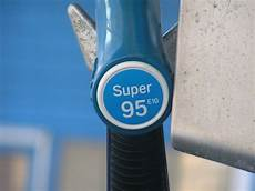 Wieso Kann Ich Kein Benzin In Ein Diesel Auto Tanken