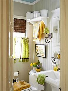 Yellow Half Bathroom Ideas by 1000 Ideas About Blue Yellow Bathrooms On