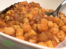 lenticchie a bagno pasta con ceci e lenticchie il verde in tavola