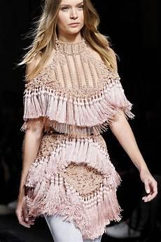 josephine skriver balmain show paris fashion week