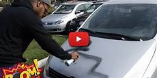 voiture abimée sur parking vid 233 o il tague les voitures gar 233 es sur les places handicap 233 s vid 233 o incroyable look ma fr