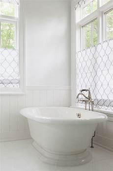 Rollo Für Bad - attraktive rollos f 252 r kleine badezimmer fenster badezimmer