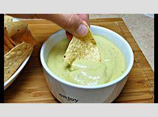 creamy mexican green salsa dip_image