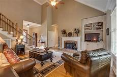Decorating Ideas For Vaulted Ceiling Living Rooms by 24 Living Rooms With Vaulted Ceilings Page 2 Of 5