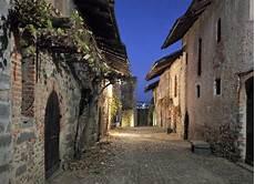 ricetto di candelo eventi visita al borgo medievale ricetto di candelo a biella