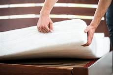 matratzen reinigen tipps f 252 r die matratzenpflege herold at
