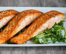 Lachs Mit Haut Braten - restaurant style pan seared salmon once upon a chef