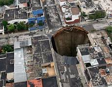 10 sinkholes that appeared out of nowhere listverse