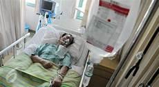 Foto Orang Sakit Dirawat Di Rumah Sakit