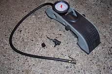gonfler pneu chaud avez vous une pompe 224 pied pour gonfler les pneus clio