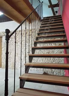 re escalier bois et fer forgé photo dt102 escadroit 174 bistrot sans contremarche
