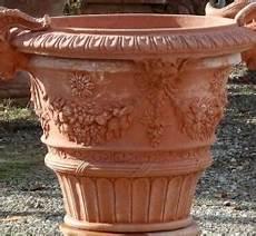 vasi cotto prezzi vasi in cotto di impruneta terrecotte impruneta