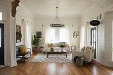 Home Decor Ideas White Walls by White Is The New Paint Color Trend For Rentals The