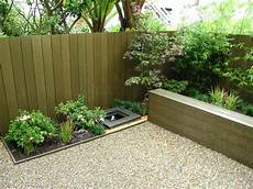 Garden Cheap by Tips On Build Small Backyard Landscaping Ideas