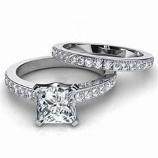 novo princess cut engagement ring and wedding band bridal