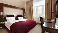 5 Jenis Tempat Tidur Di Kamar Hotel Sangat Penting