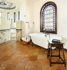 badezimmer fliesen mediterran 30 fliesen badezimmer ideen im mediterranen stil