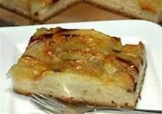 apfelkuchen mit hefeteig versunkener apfelkuchen rezept einfacher und schneller