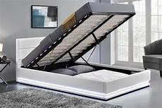 cadre de lit avec coffre cadre de lit led avec coffre de rangement new york blanc
