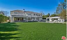 ben affleck purchases 163 13 million home near