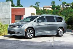 2019 Chrysler Pacifica Hybrid  Irvine Auto Center